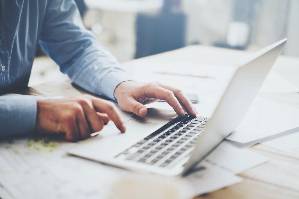 """La AFIP informa que ha renovado la estética y también incorpora nuevas funciones al servicio de """"E-Ventanilla"""", a través del cual es posible recibir mensajes del ente recaudador."""