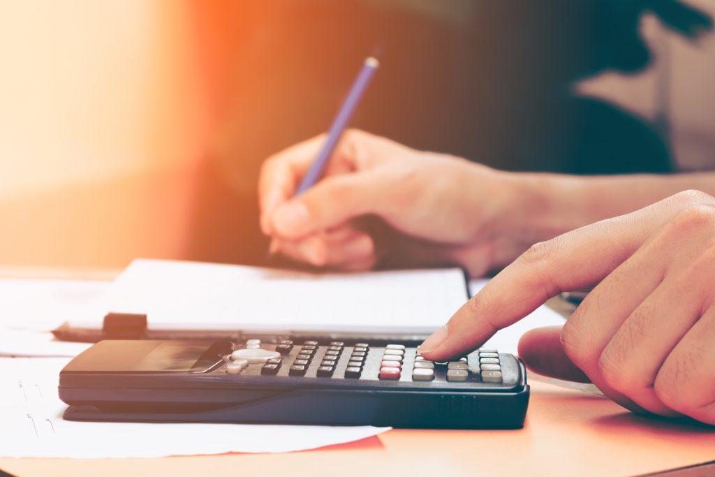 Impuesto al cheque eximen a transferencias electrónicas